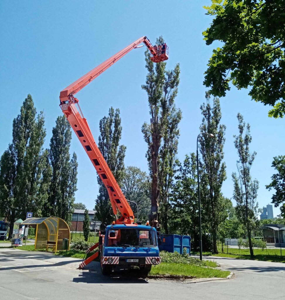 Montážní plošina MP 27 - Tatra 815